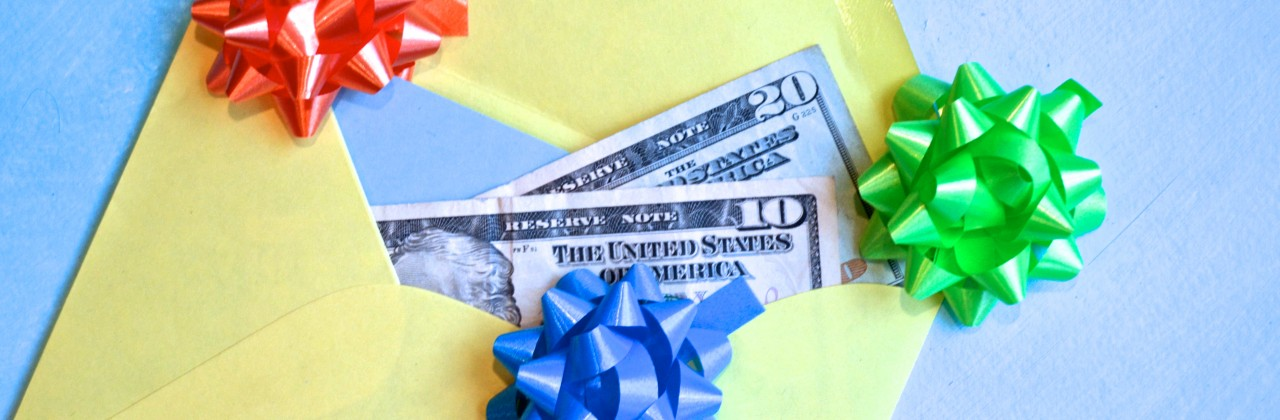 3 Sacred Rules of of Graduation Gift Giving